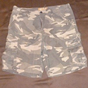 Lee Dungaree's Camo Cargo Shorts Men's